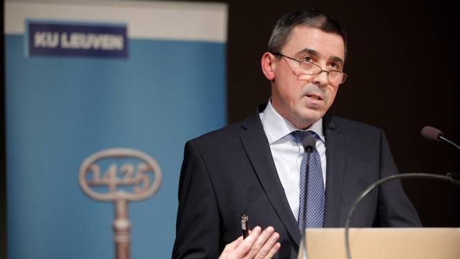 """Toponderzoeker Peter Carmeliet verkast met labo naar Denemarken: """"In België moet ik op mijn 65ste verplicht stoppen"""""""