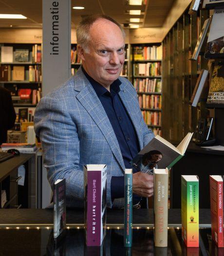 Negen schrijvers van vlees en bloed, op de praatstoel in Twente bij Broekhuis tijdens de Boekenweek