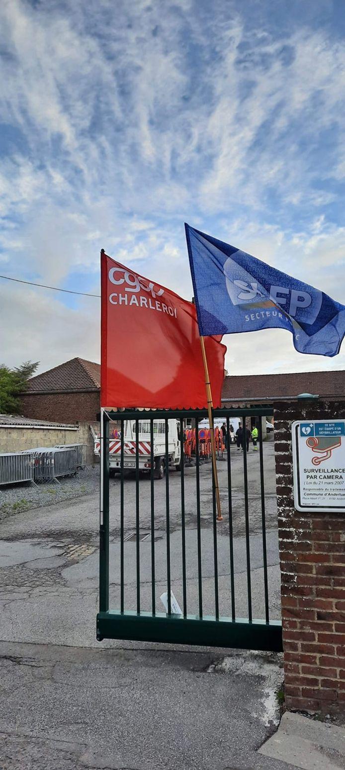 Grève improvisée à la commune d'Anderlues ce matin.