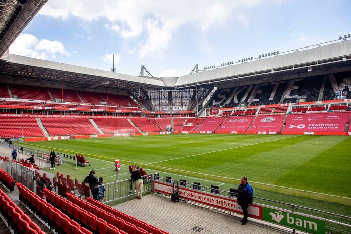 Het Philips Stadion gaat bijna permanent open voor publiek.