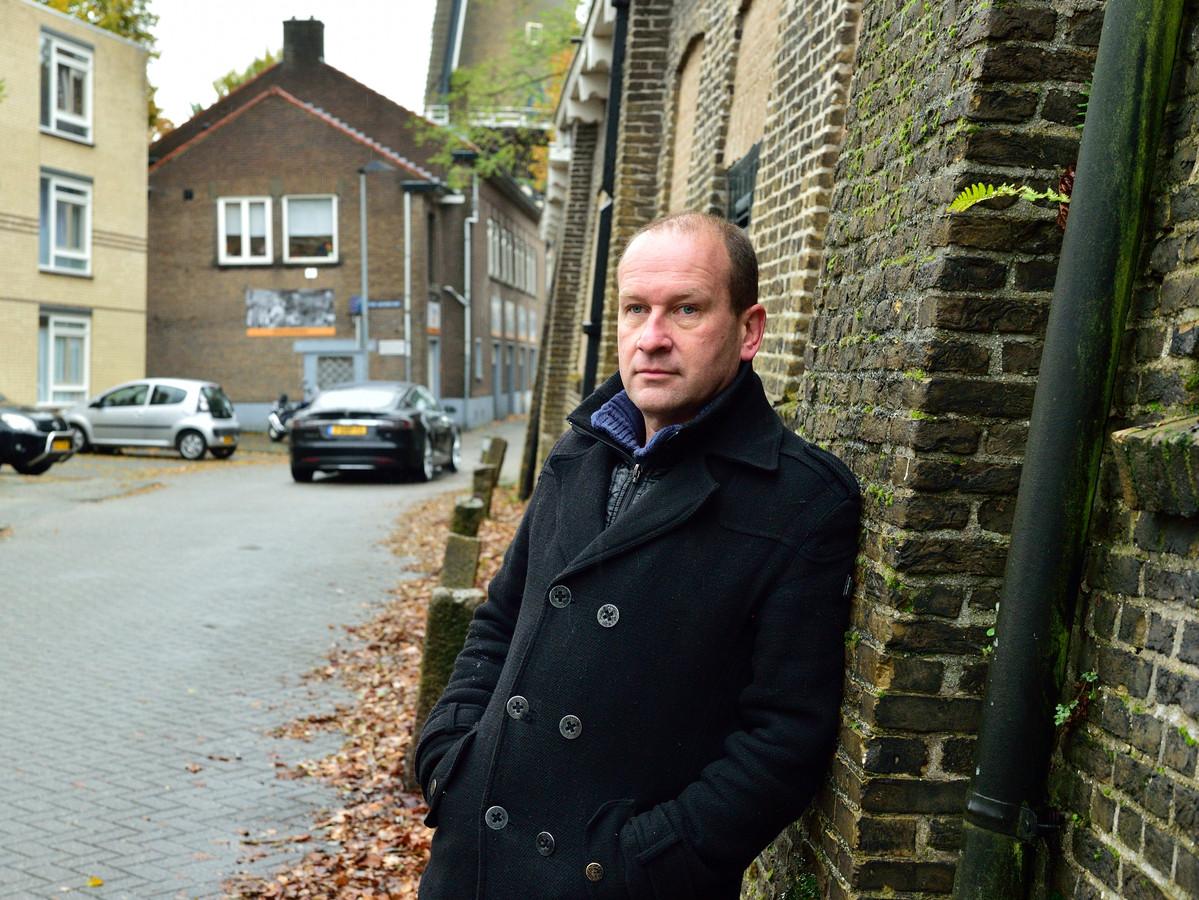 Hermen Buurman bij zijn favoriete plek in Gouda: So What aan de Vest.