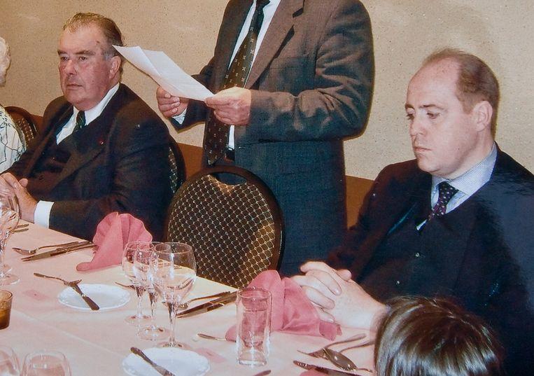 In 2005 belandde meester-oplichter Hans Velle (rechts) een eerste keer in de cel. Graaf en advocaat Henri d'Udekem d'Acoz (links) kreeg hem toen vrij. Beeld Foto Joost De Bock