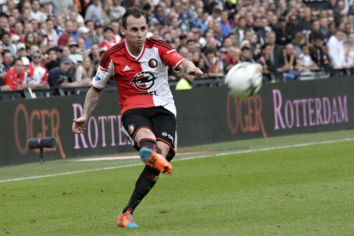Luke Wilkshire in 2014 in het shirt van Feyenoord.