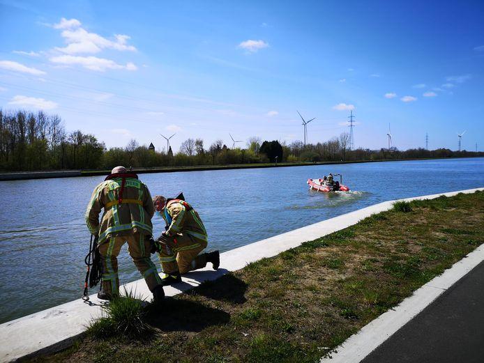 De zoektocht in het kanaal in Geel