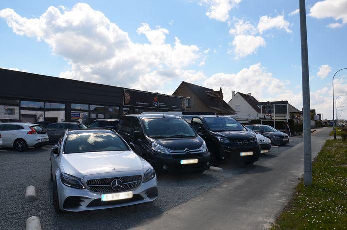 De nieuwe H2i Foodmarket langs de Brakelsesteenweg in Voorde (Ninove).