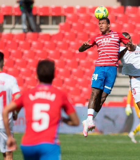 Invaller Luuk de Jong verliest met Sevilla bij Granada, Suárez helpt Atlético aan zege