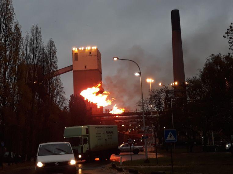 """Na de explosie werden overtallige gassen uit de ovens """"afgefakkeld""""."""