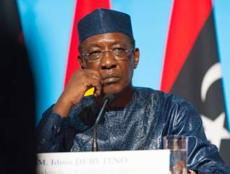 Tsjadische president na 30 jaar aan de macht overleden aan het front, zoon neemt leiderschap over