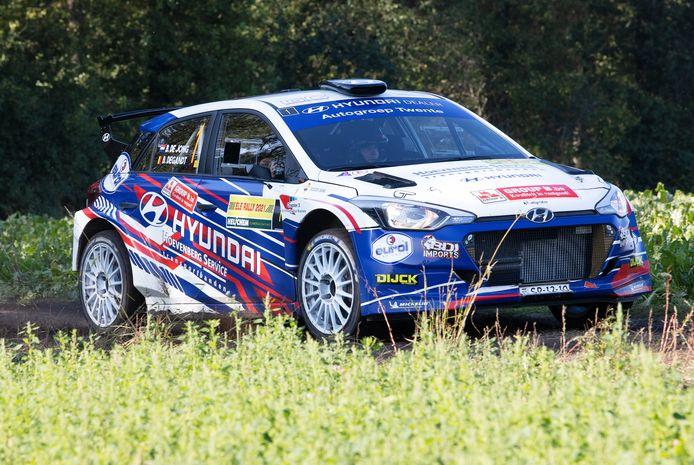 Bob de Jong in zijn Hyundai i20 R5 op weg naar zege in de ELE Rally.