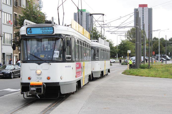 Tram 4 blijft voorlopig dan toch naar Hoboken rijden. In het nieuwe vervoersplan van De Lijn was dat niet meer het geval, wat tot veel protest leidde, van politiek en burgers.