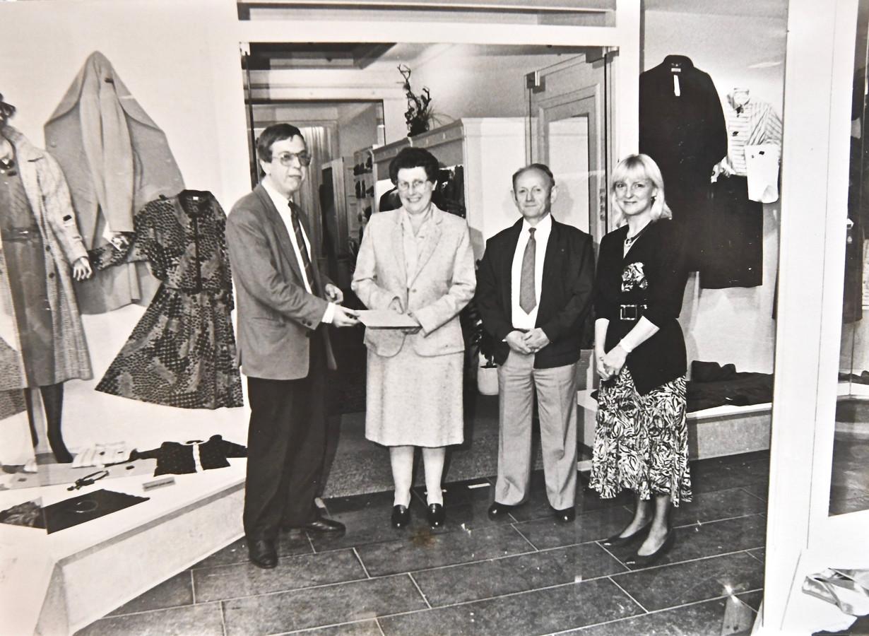 Een archiefbeeld uit de prille beginjaren van Couture Novelty.
