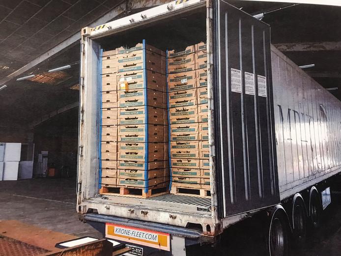 Coke in loods Industrieweg Oudenbosch, 1.700 kilo.