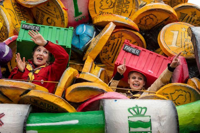 In Prinsenbeek - tijdens carnaval ook wel Boemeldonck genoemd - werken ze met papier-maché.