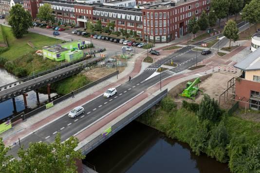 Onder leiding van Van Son is de nieuwe Bartenbrug gebouwd.