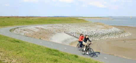 Vervuiling zeedijk Perkpolder zorgt voor steeds meer ongerustheid na nieuw onderzoek