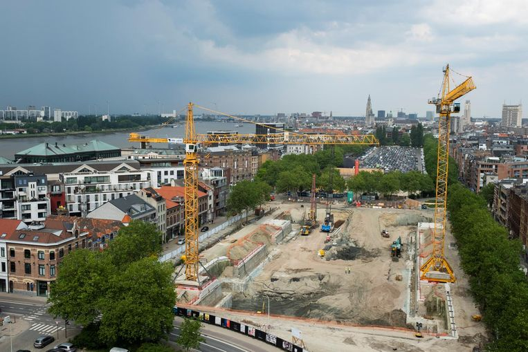 De bouw van de parking op de Gedempte Zuiderdokken is stilgelegd. Beeld Foto De Scheirder