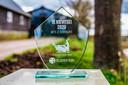 Op het land van de familie Schreurs bij Vinkeveen werd vorig jaar het eerste kievietsei in die regio gevonden.  Daarvoor kreeg het boerenstel een glazen bokaal.