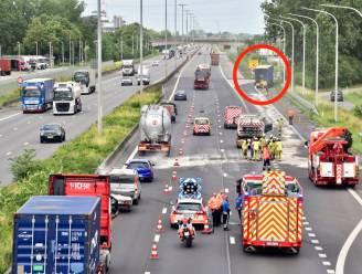Anderhalf uur aanschuiven tussen Deerlijk en Kruishoutem na ongeval met vrachtwagen op E17