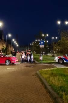 Wielrenner slaat autoruit stuk en mishandelt politieagent tijdens verkeersruzie in Ede