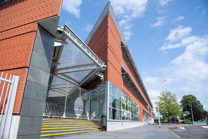 Het ROC aan de Wierdensestraat is een van de moderne gebouwen die in Almelo te bezichtigen zijn op Open Monumentendag.