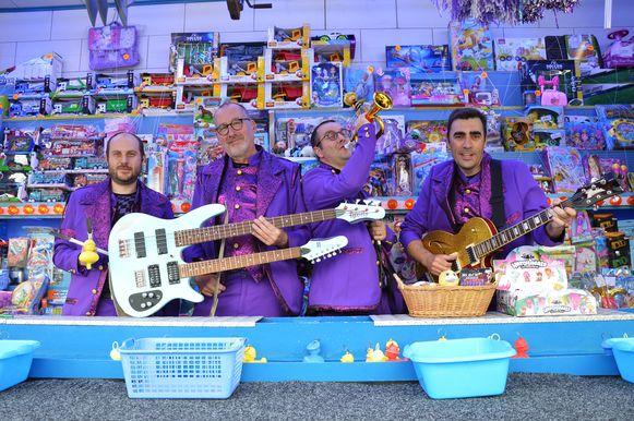 Muziekgroep The Antonio's uit Lede stond voor de 500ste keer op de planken tijdens de kermis in Iddergem (Denderleeuw).