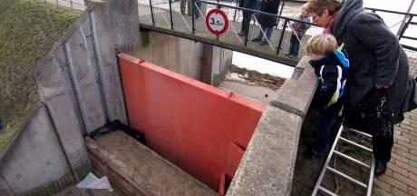 Groot onderhoud aan coupure in Tolkamer; deuren gaan dicht