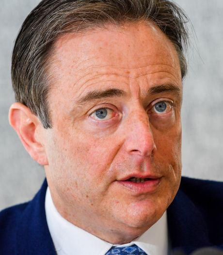 Bart De Wever soutient Steven Vandeput et accuse le sp.a