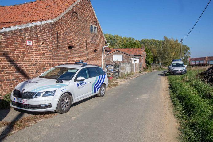 De lokale politie kwam ter plaatse om bijstand te verlenen.