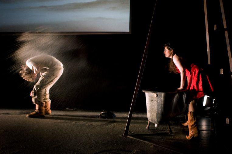 Een mond vol zand – Orkater/De Nieuwkomers/Via Berlin (2009).  Beeld Ben van Duin