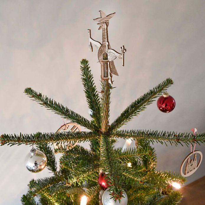 De Tullepepiek van City Shapes in de kerstboom.