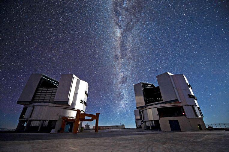 De astronomen gebruiken de Very Large Telescope in Chili om het jonge kosmische web in kaart te brengen. Beeld ESO/José Francisco Salgado (jos