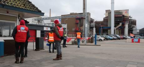 Personeel van Leerdamse glasfabrikant Owens-Illinois staakt 24 uur lang om meer loon