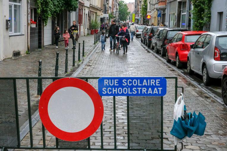 Schoolstraat op de Vlaamsesteenweg.