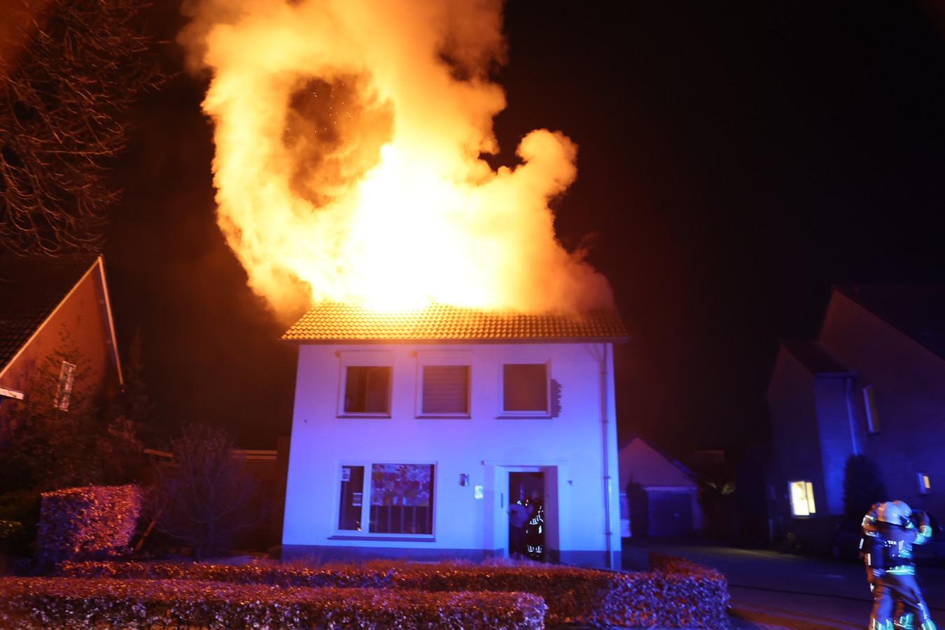 brand woning Haaren.