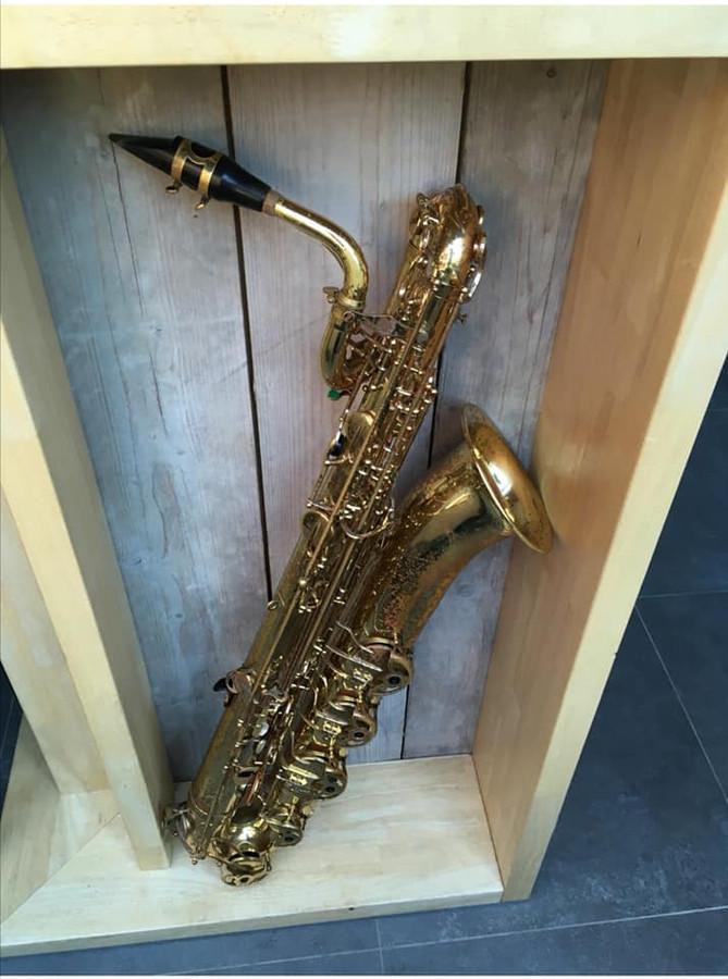 Deze baritonsaxofoon is één van de gestolen muziekinstrumenten