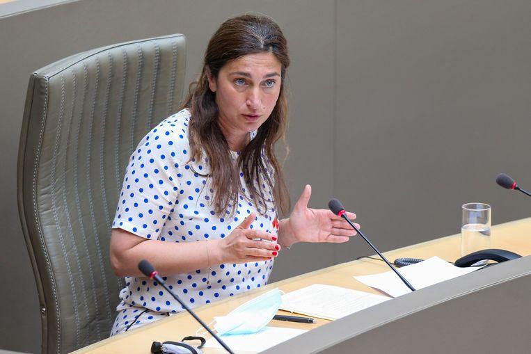 Vlaams minister van Leefmilieu Zuhal Demir verbaast met de suggestie om een onderzoekscommissie rond de PFOS-vervuiling op te richten. Beeld BELGA