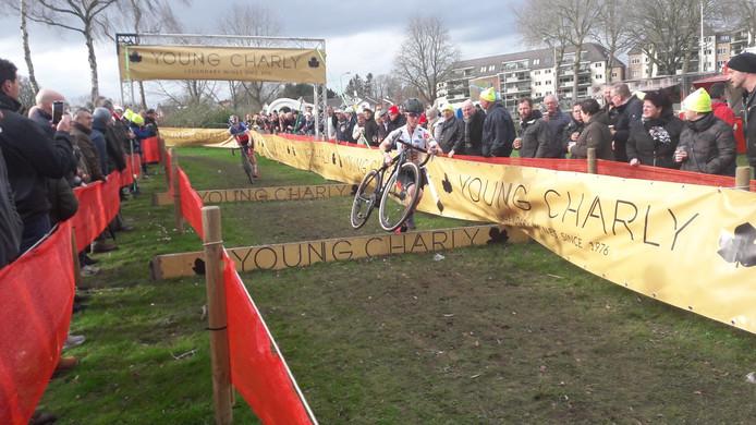 Shirin van Anrooij in de Vestingcross.