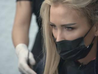 """Hoe de extensions van Anouk Matton haar eerste kus met Dimitri Vegas verpestten: """"We lachen er nu nog om"""""""