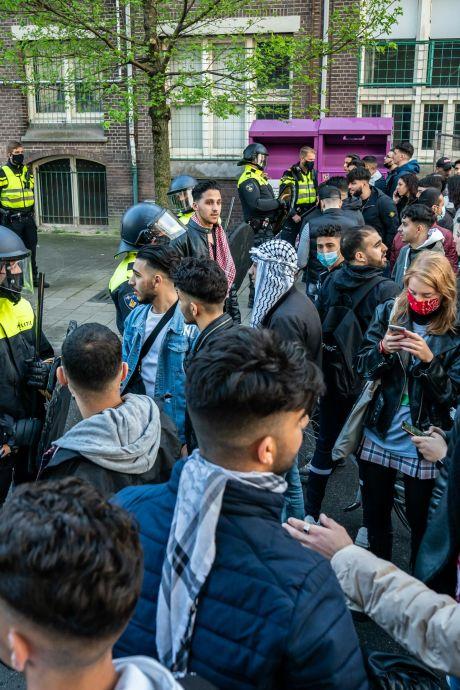 Ruim 100 aanhoudingen na pro-Palestinademonstratie Utrecht, burgemeester kondigt noodbevel af