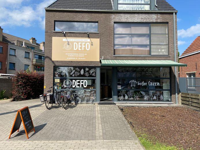 Defo is gelegen op de Zoerselbaan tegenover Aldi