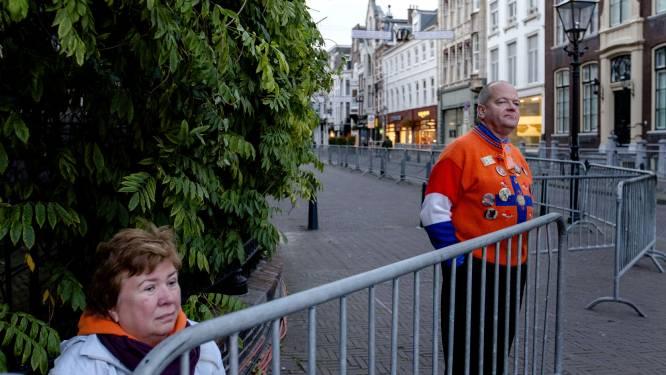 Eerste Oranjefans al langs route gouden koets