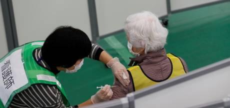 Le Japon va commencer à vacciner malgré une pénurie de seringues