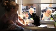Vrienden en familie gaan op (k)raambezoek bij pasgeboren Torre