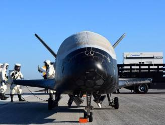 Mysterieuze 'mini-shuttle' terug op aarde