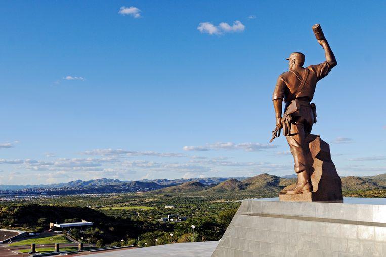 De naamloze held van de onafhankelijkheid in Windhoek, Namibië. Beeld Belgaimage