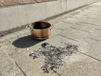 Amper schade in appartement na brandje dankzij rookmelder en alerte buren