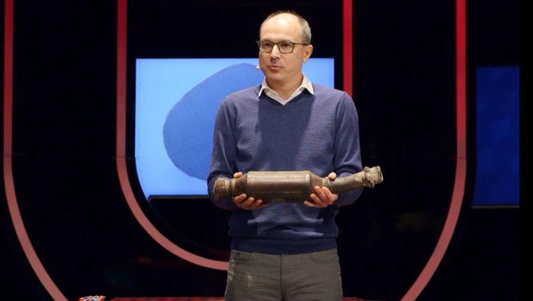 Bert Weckhuysen (Universiteit Utrecht) geeft college over katalysatoren. Beeld Universiteit van Nederland
