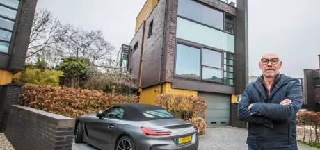 Joop verkoopt zijn moderne villa met spectaculaire wintertuin: 'Beetje in de stijl van Le Corbusier'