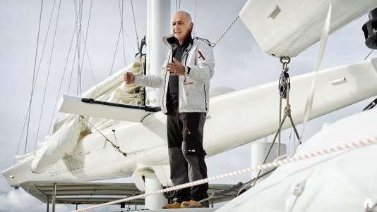 Wubbo Ockels op zijn boot de Ecolution in 2012.
