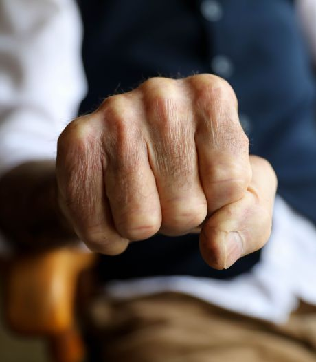 Bejaarde Bilthovenaar (77) slaat man in anti-kraakpand om wifi-hotspot: 'Ik zat wéér zonder wifi'